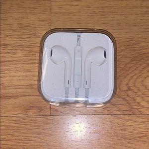 NIB Apple iPhone Earplugs
